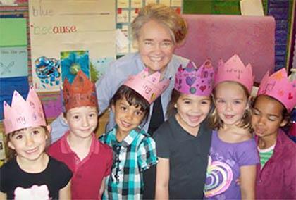 Nellie Edge teaching in kindergarten classroom