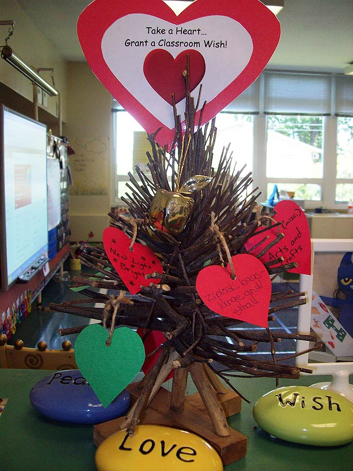kindergarten giving tree